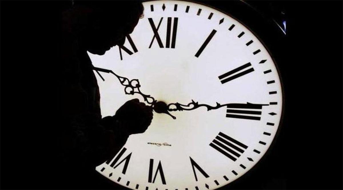 Termina el domingo 27 el horario de verano; hoy por la noche retrasa tu reloj una hora