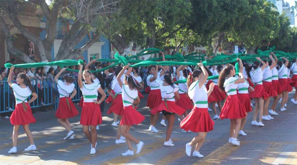 Desfilarán más de 2 mil personas el 20 de noviembre en La Paz
