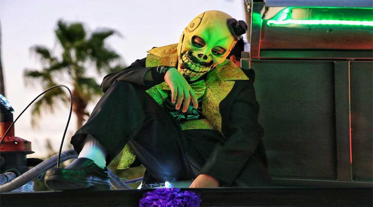 Desfilaron tradición y color por calles josefinas en Tercer Festival del Día de Muertos