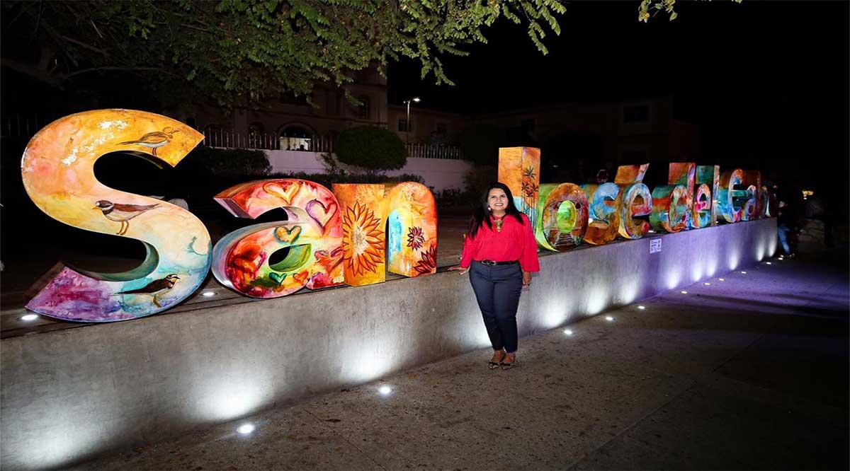 Develan letras monumentales interactivas de San José del Cabo
