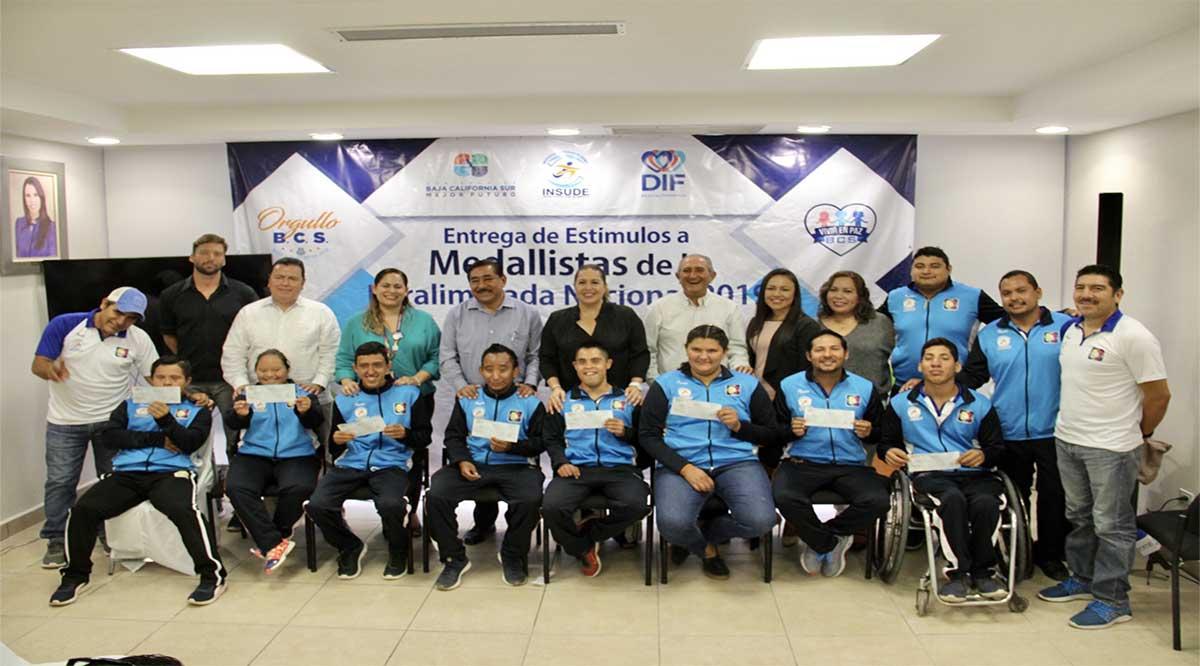 Estimulan a medallistas de la Paralimpiada Nacional 2019 que obtuvieron 19 medallas