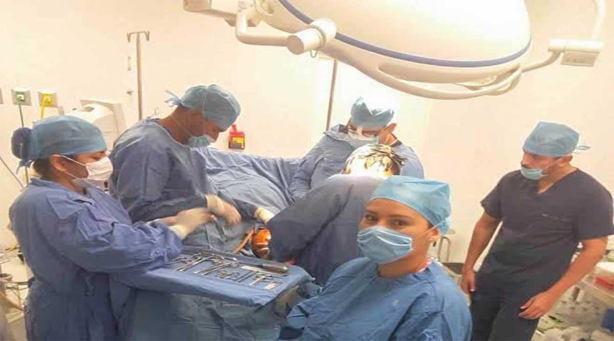 Reciben apoyo económico 6 médicos especialistas para residir en Loreto