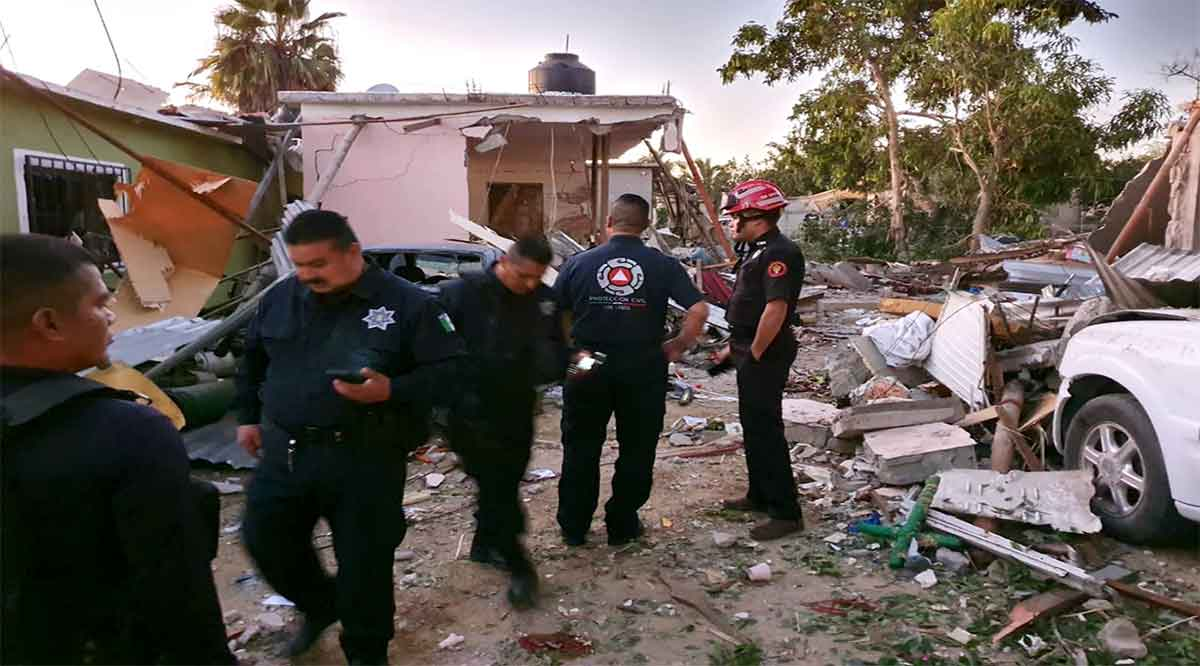 Un muerto y 3 heridos deja explosión en una casa en Los Cabos