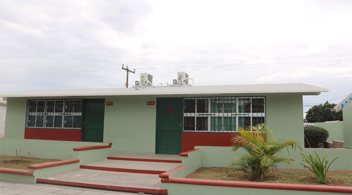 Reconstruyen y equipan escuela Revolución de 1910 de Cd. Constitución