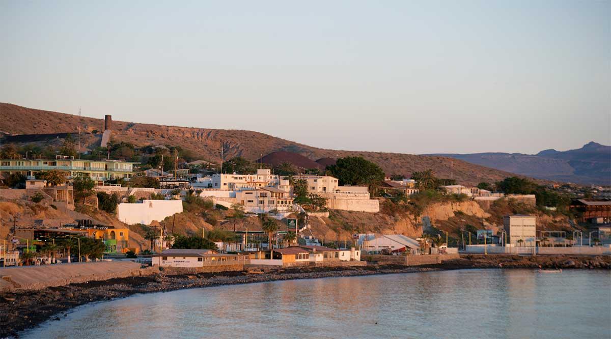 Cierran a la navegación el puerto de Santa Rosalía por fuertes vientos