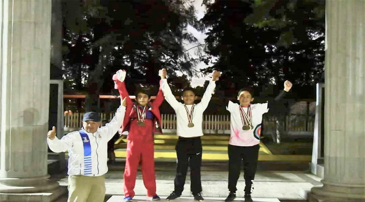 Edgar Álvarez y Ana Rebeca Ruíz obtienen oro y plata en Tiro con Arco