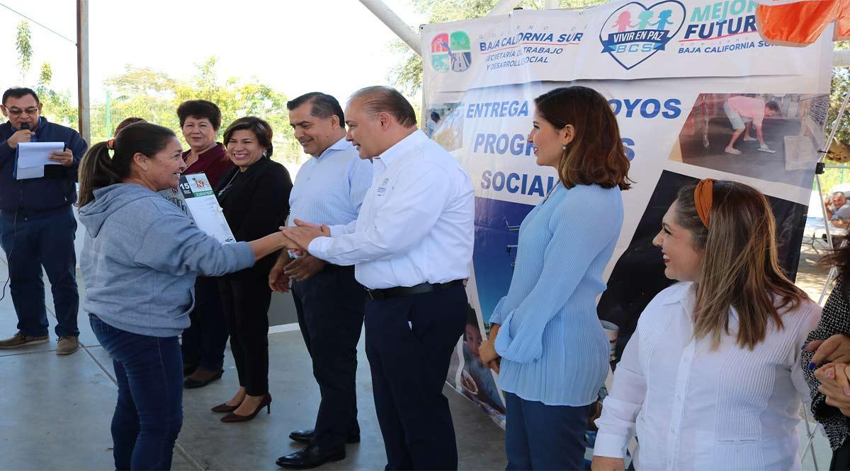 Entregaron 104 apoyos por un monto de más de 700 mil pesos en Los Cabos