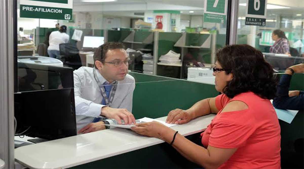 Ratifica Consejo Técnico del IMSS criterio de 25 salarios mínimos como límite para el pago de pensiones