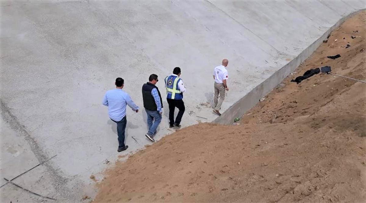 Supervisan obra de encauzamiento en arroyo El Zacatal