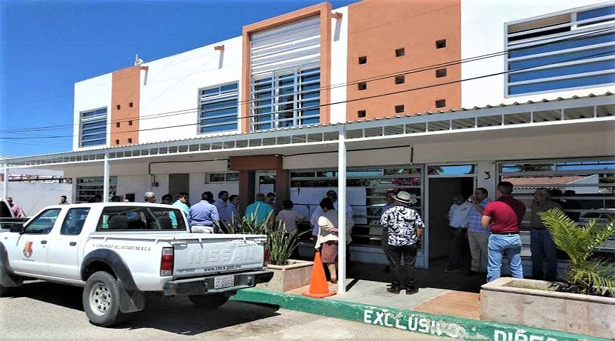 Diputados de Morena pretendieron tomar por la fuerza Dirección de Finanzas del Congreso