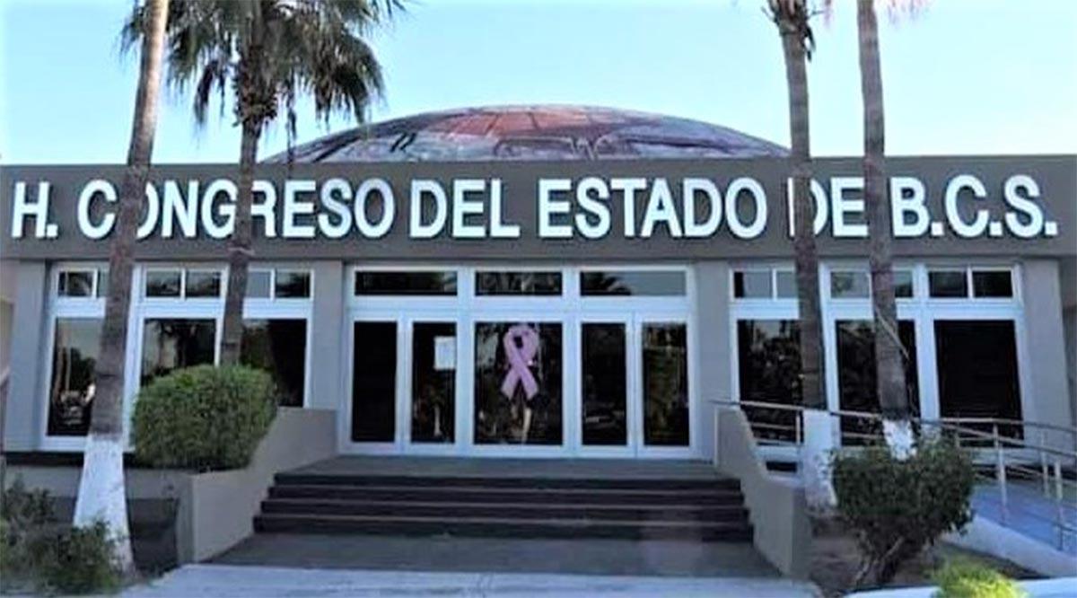 Diputados de Morena llevarán a juicio político a 8 de sus homólogos