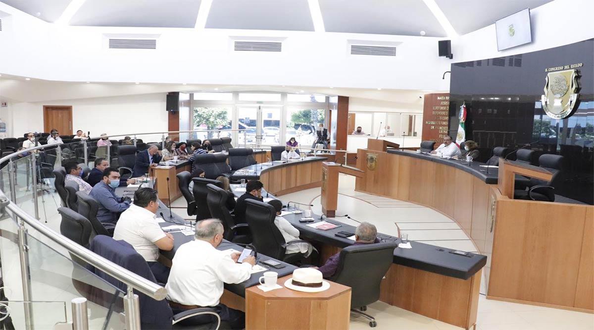 Diputados de Morena exigen al Ejecutivo estatal, Ayuntamientos y partidos, pero rechazan hacerlo a AMLO