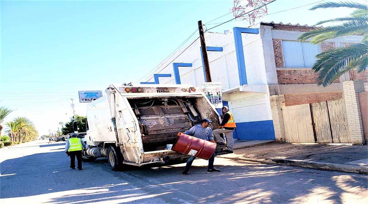 Trabaja área de recolección de basura en Comondú en forma regular