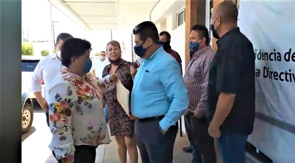 Impiden acceso a diputados de Morena a la Dirección de Finanzas del Congreso