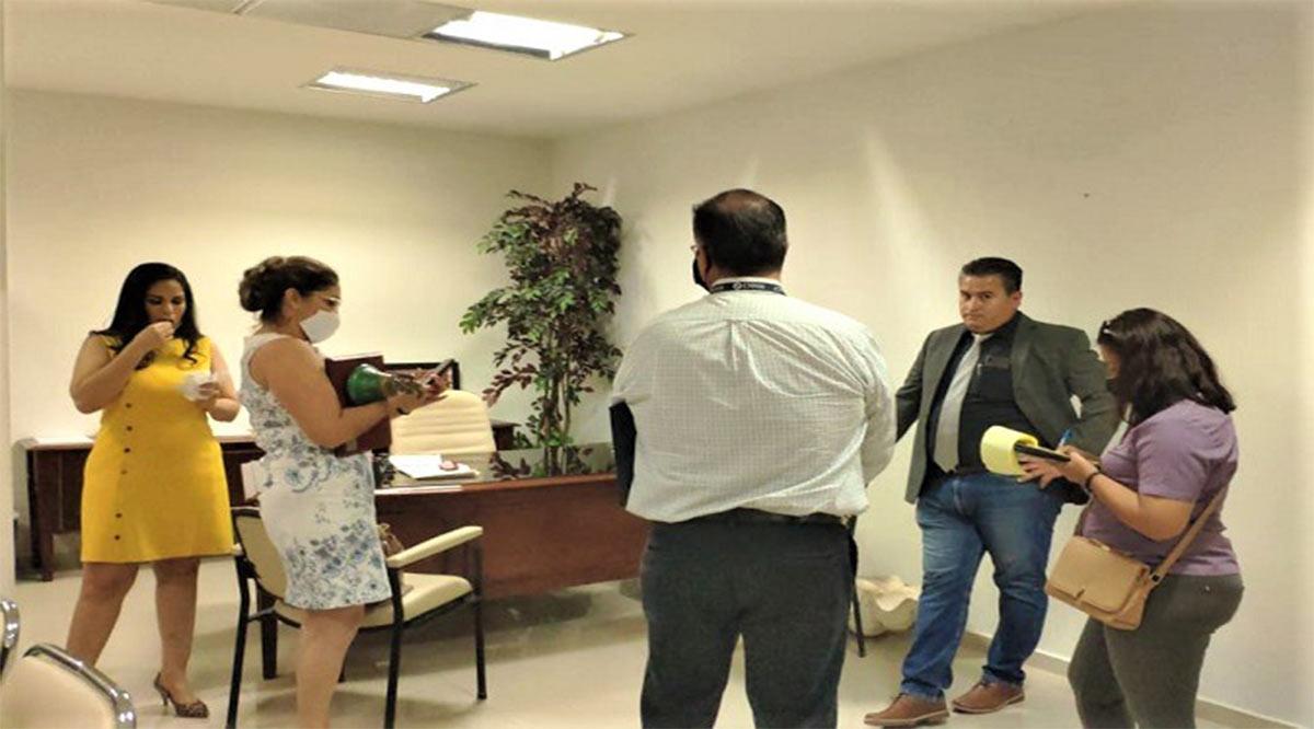 Reclama diputada Montaño la Junta de Gobierno y como no se la dan, se lleva la campana legislativa