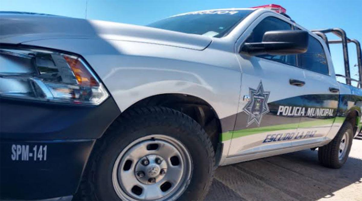Presunto policía estatal atropella a una mujer y se da a la fuga