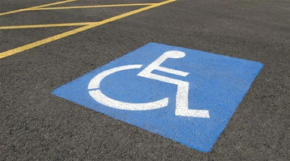 Pintarán cajones de estacionamiento para discapacitados en López Mateos