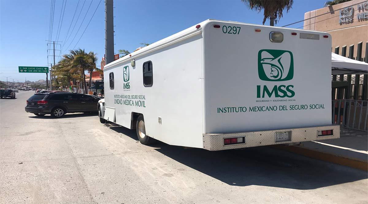 Instaló el IMSS una unidad móvil de donación de sangra afuera de hospital de CSL
