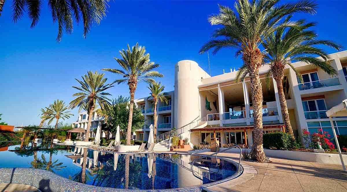 Tarjetas, dinero y joyas roban a huésped del hotel Costa Baja
