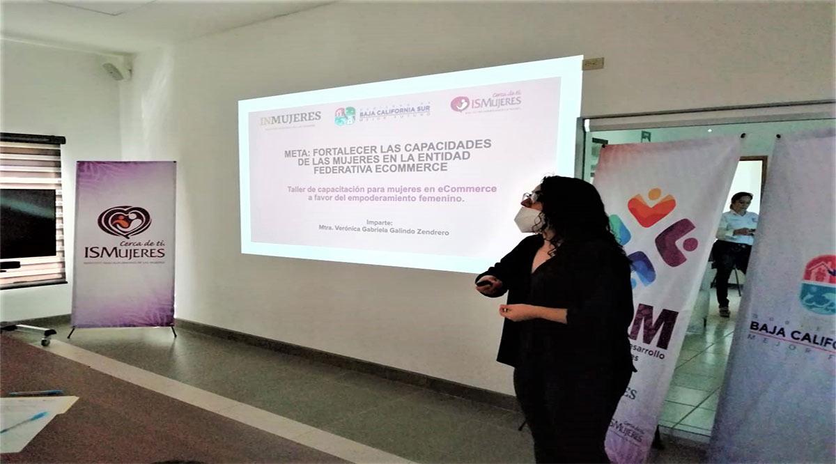 Capacitan a mujeres loretanas en técnicas de venta por internet