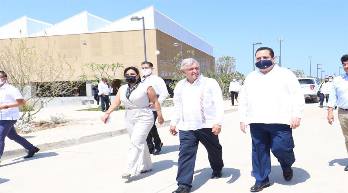 Reafirma Presidente de México compromiso de construir plantas desaladoras y de energía en BCS