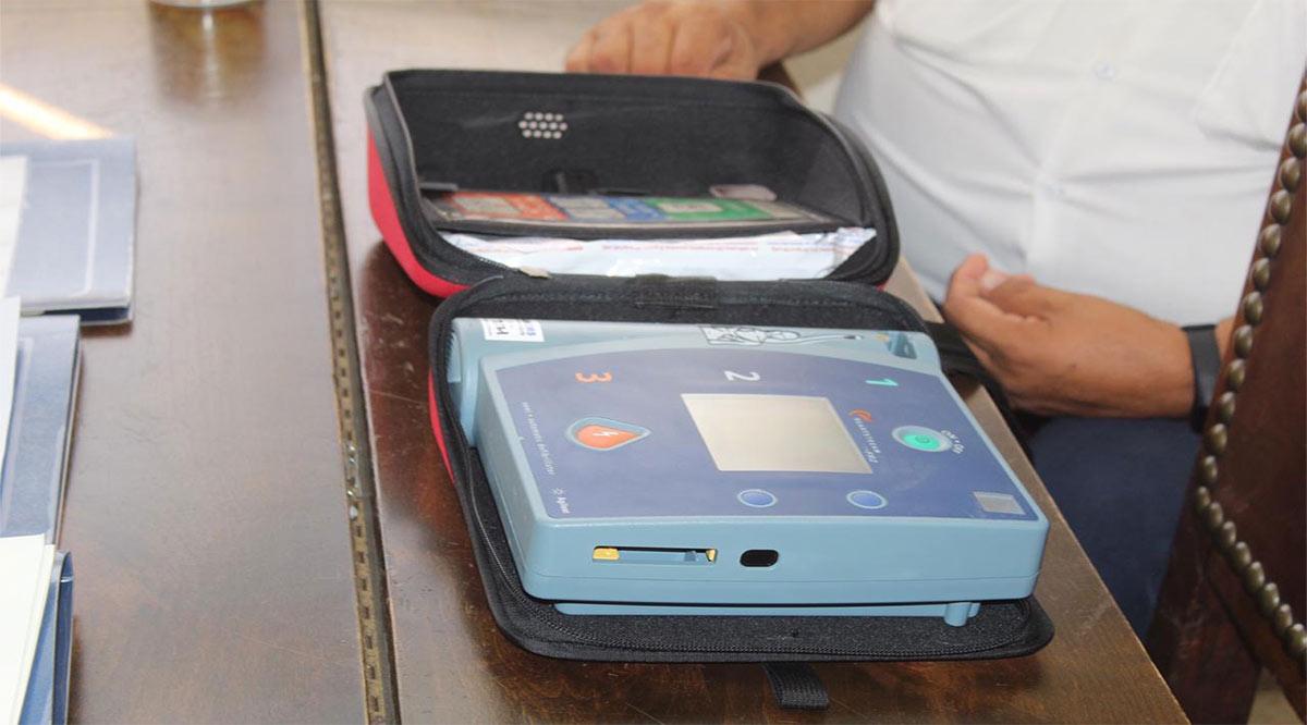 Reciben Bomberos de Loreto 4 desfibriladores automáticos externos