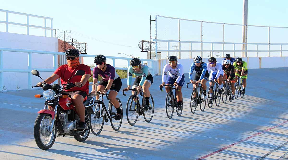 Entrenan ciclistas de BCS para el Campeonato Nacional de Pista