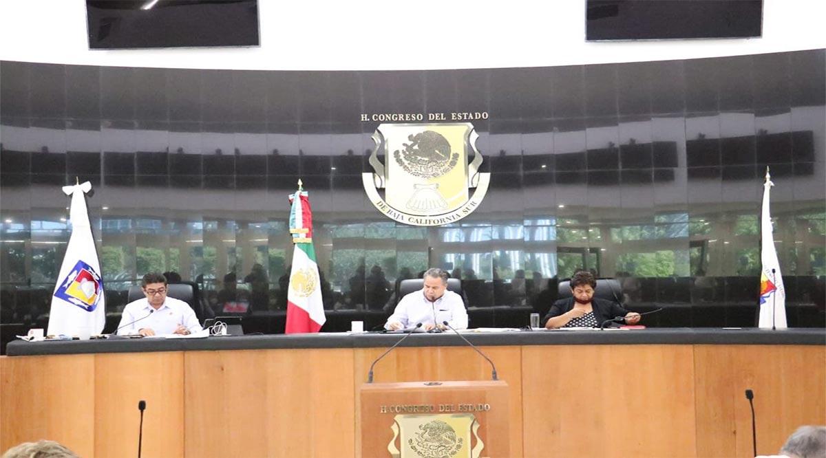 Envían a Comisiones dictamen para restituir a los 5 diputados de BCS