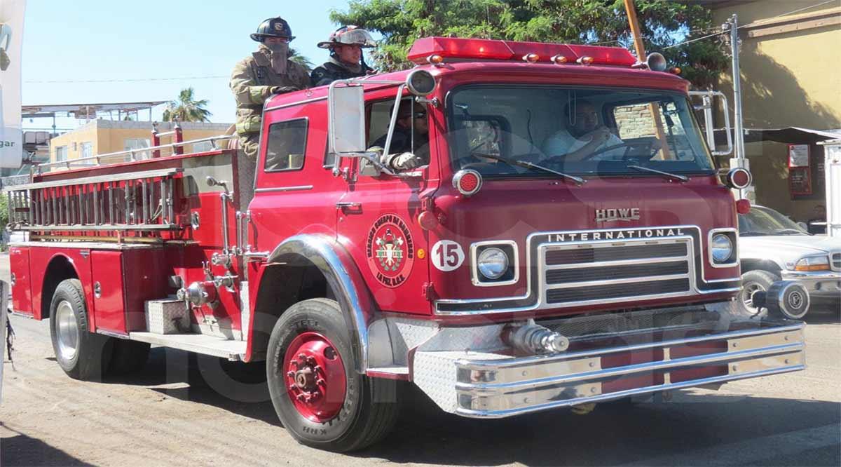 Incendian un vehículo en la colonia Santa Fe