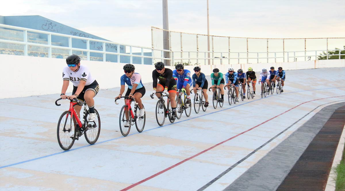 Integran 23 deportistas la selección de ciclismo de BCS para el nacional de pista