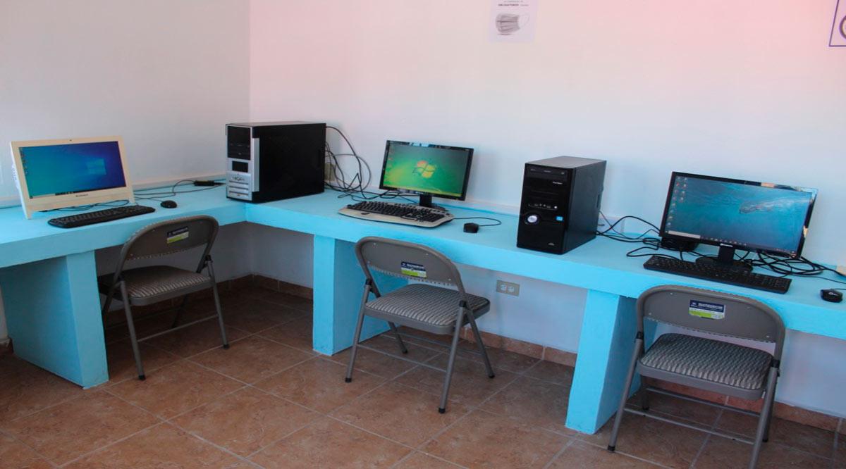 Instalan en Loreto un centro de cómputo e internet en la colonia INVI Miramar