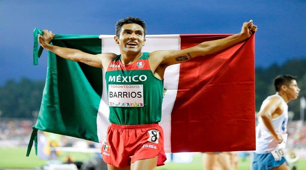 Vacaciona Juan Luis Barrios en La Paz tras correr el Maratón de Londres