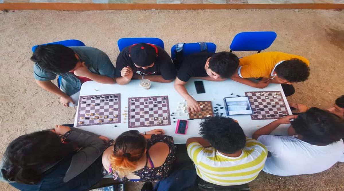 Invita UABCS a ajedrecista a participar en torneo en línea
