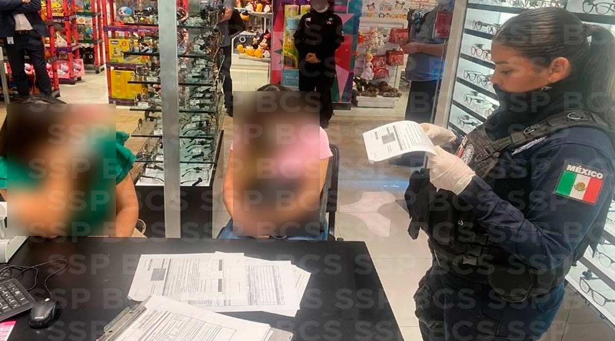 Detienen a 2 mujeres por robo ropa en Liverpool
