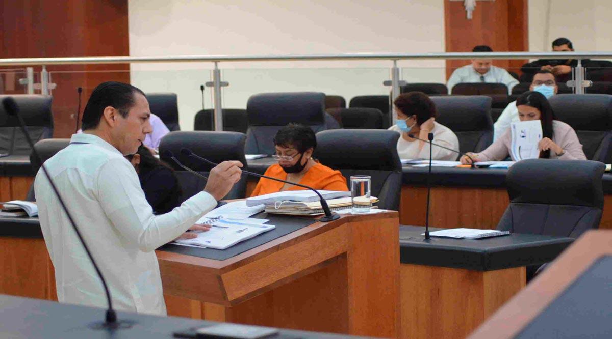 Cuentas alegres del Procurador de Justicia en comparecencia; diputados afirman que la gente no denuncia