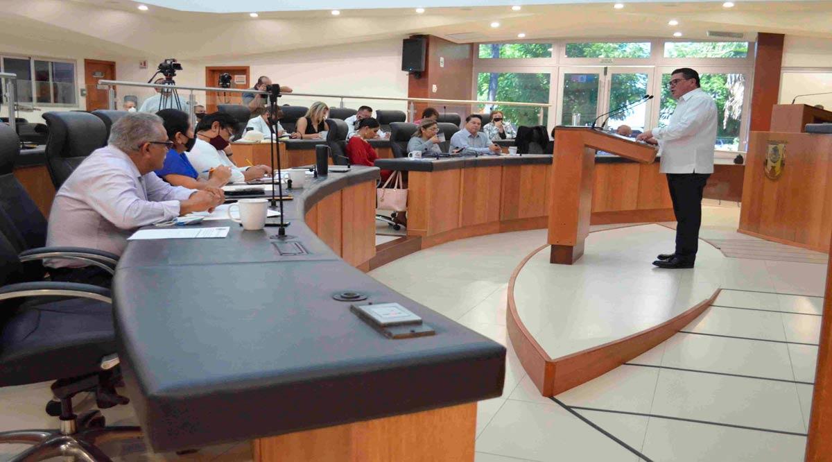 'Encontronazo' entre Secretario de Finanzas de BCS y diputados termina tablas