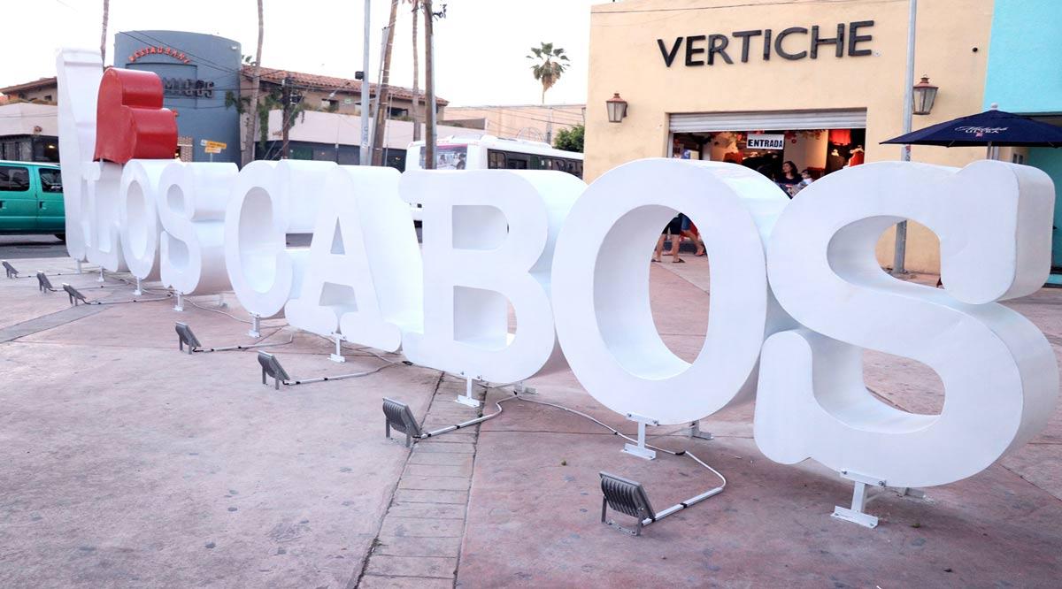 Colocan letras monumentales I Love Los Cabos en CSL