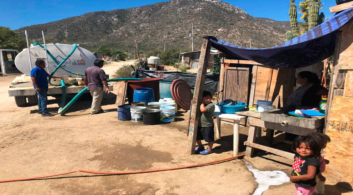 Distribuyen 60 pipas agua a colonias e instituciones en CSL