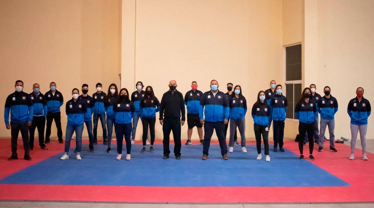 Reciben uniformes seleccionados de karate y tiro deportivo en BCS