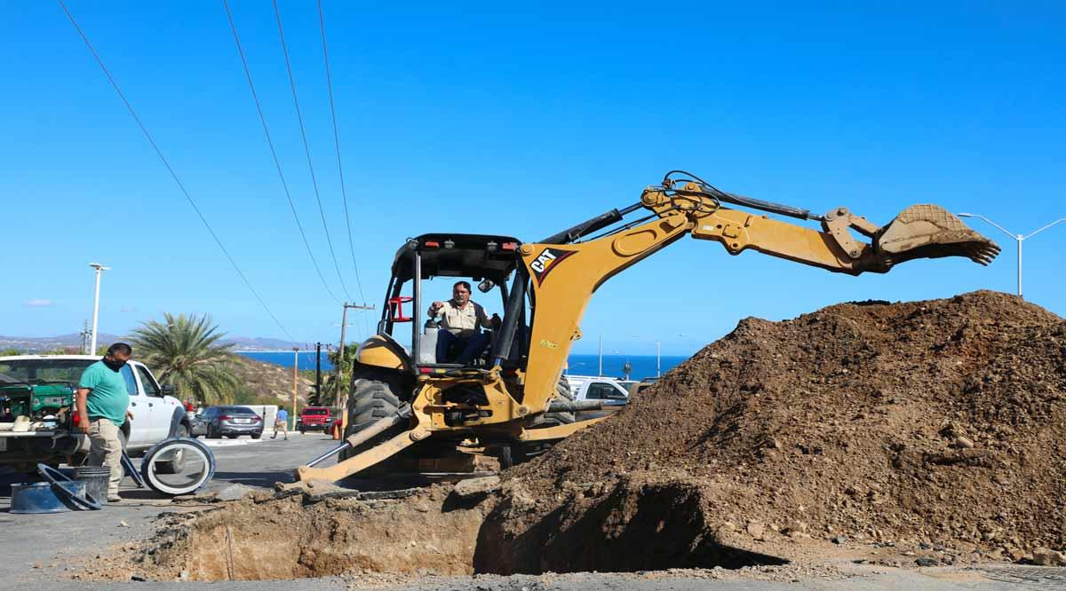 Repara Oomsapas de Los Cabos doble fuga de agua en el Acueducto I