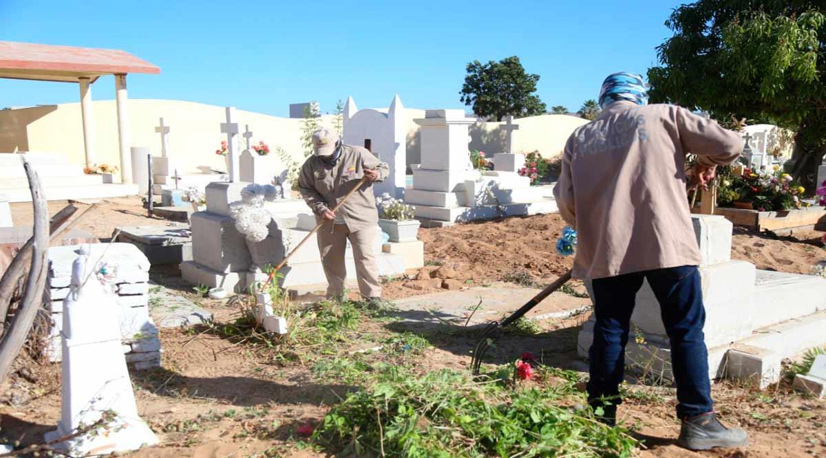 Sin aglomeraciones se mantienen los panteones de Los Cabos