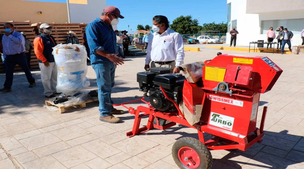 Entregan apoyos a productores rurales en Vizcaíno