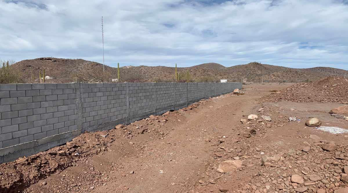 Levantan barda perimetral en el nuevo panteón municipal de Loreto