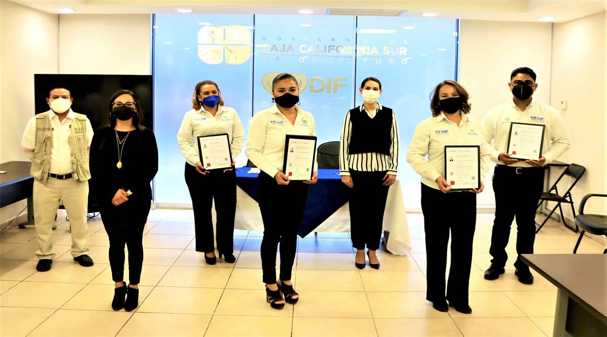 Certifican a personal de CAI's del SEDIF