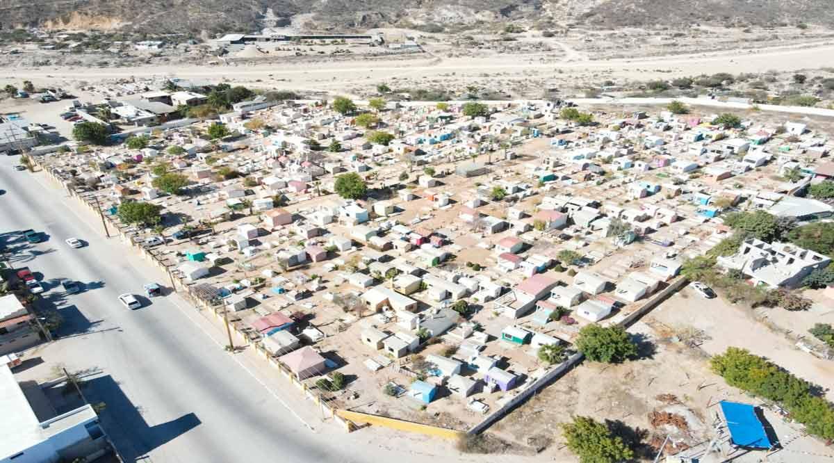 Sin presentarse aglomeraciones en panteones de Los Cabos
