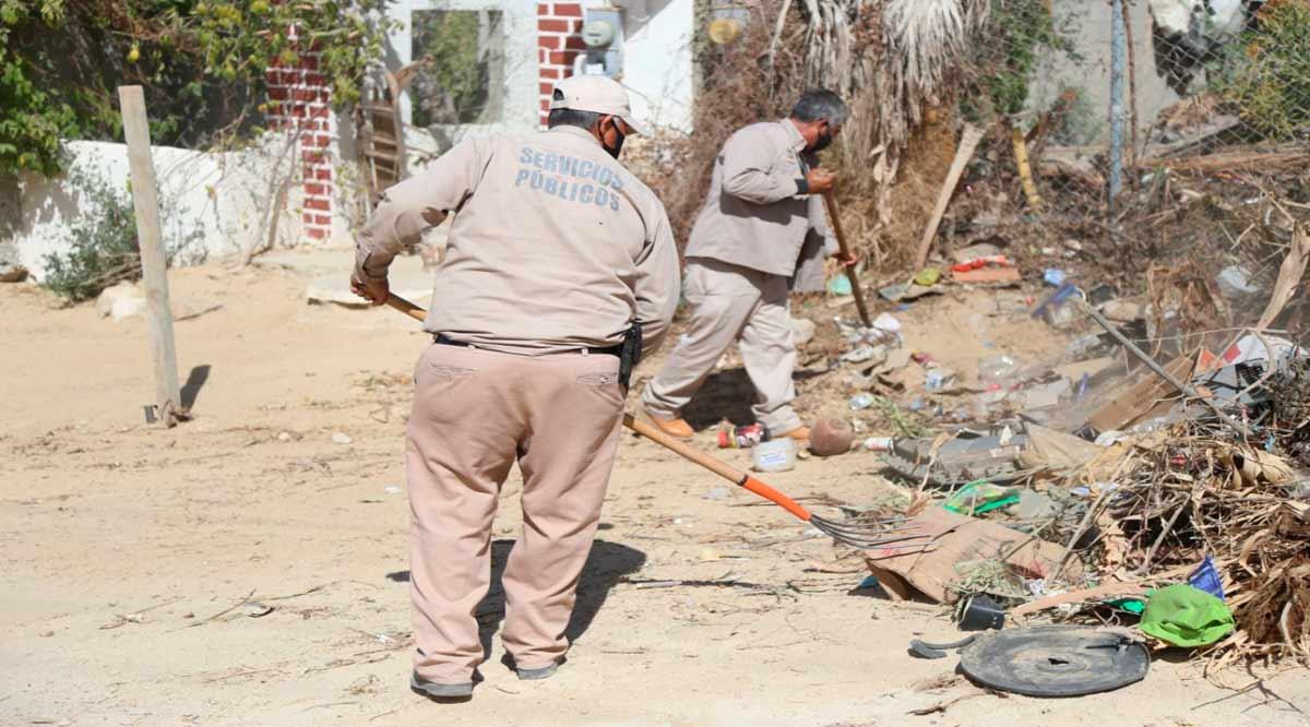 Recolectan al mes más de 2,700 toneladas de ramas y cacharros de la vía pública en Los Cabos
