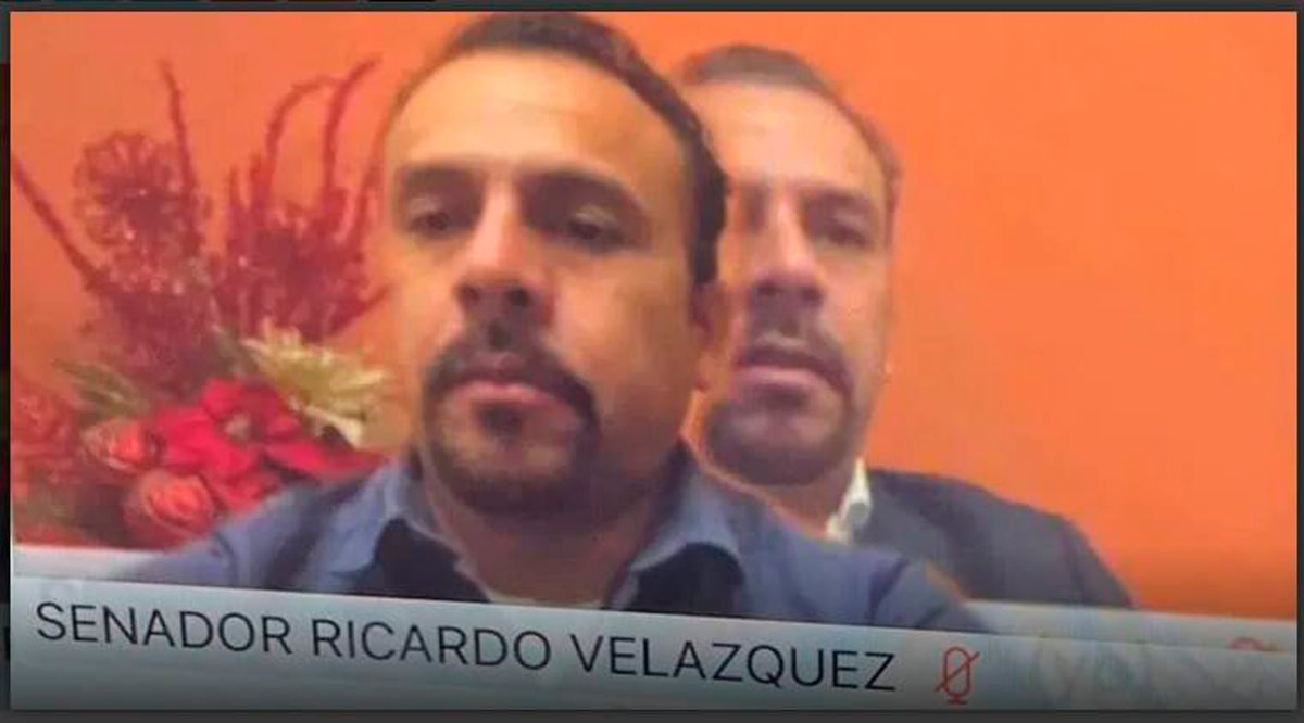 El senador de Morena Ricardo Velázquez da la nota por extrañas actitudes