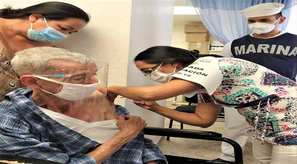 Participa Issste de BCS en aplicación de vacunas anti Covid en Los Cabos y Comondú
