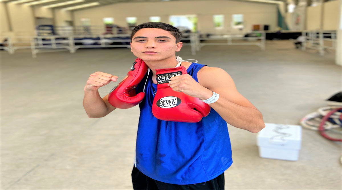 Avanzan Ángel Ureña y Javier Trasviña en el Festival Olímpico de Boxeo