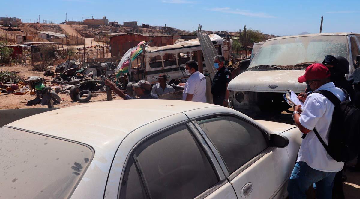Sancionarán a propietarios de vehículos abandonados en la vía pública en Los Cabos